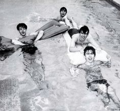 1964 - The Beatles.