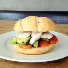 Culy Homemade: kip, avocado & tomaat broodje -