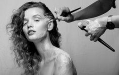 Backstage Photo: Weronika Kosińska Model: Paulina Szczepkowska Make up: Lucyna Rossa