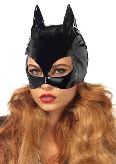 Vinyl Cat Mask -perfect for Halloween and Fancy Dress. Vinyl Cat Woman Mask by Leg Avenue. Catwoman Cosplay, Catwoman Mask, Superhero Halloween, Sexy Halloween Costumes, Halloween Masks, Halloween Party, Halloween Halloween, Vintage Halloween, Villain Costumes