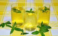 It is a miracle what 1 cup of this drink does to your liver Lack Of Energy, Diy Wedding Favors, Pick Me Up, Home Remedies, Wine Glass, Lose Weight, Weight Loss, Canning, Fruit