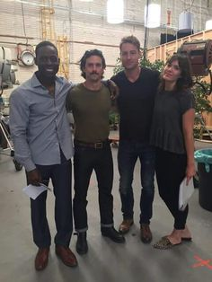 Sterling K. Brown with Milo Ventimiglia, Justin Hartley, & Mandy Moore. Justin Hartley, Famous In Love, Milo Ventimiglia, Mandy Moore, Poses For Photos, New Shows, Best Tv, Movies And Tv Shows, Actors & Actresses