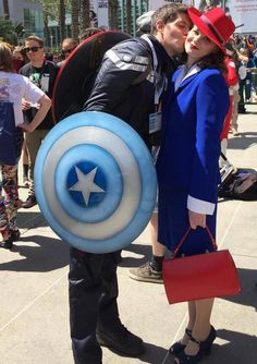 The Peggy Carter Cosplay That Stopped Traffic At WonderCon