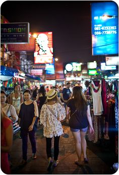 East meets West on Khao Sahn Road. @ http://www.backpackingthroughthailand.com/