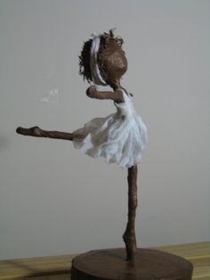 Ballerina sculpture by Stephaniessculptures on Etsy, £25.00