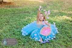 This beautiful blue and turquoise special occasion dress would be perfect for flower girls, pageants, birthdays Easter and so much more! This