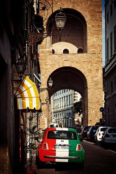 Fiat 500 in Florence, Italy Oh The Places You'll Go, Places To Visit, Rome Florence, Bologna, Lucca, Italy Travel, Renaissance, Beautiful Places, Around The Worlds