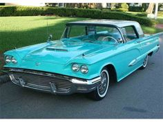 A 1959 Ford Thunderbird Ford Thunderbird, Cars For Sale, Antique Cars, Classic Cars, Vehicles, Birds, News, Vintage Cars, Cars For Sell