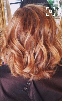 Hair color red copper highlights strawberry blonde Ideas - Aren't not Red Hair With Blonde Highlights, Blonde Curly Hair, Ombré Hair, Brown Blonde Hair, Hair Day, Copper Blonde Hair, Auburn With Highlights, Red Hair For Blondes, Copper Hair Highlights