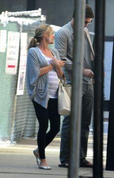 Jay Cutler and Kristin Cavallari Photo - Pregnant Kristin Cavallari And Jay Cutler Out Walking Their Dog