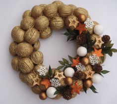 Natural Fruits Wreath Winter Decoration- Natural Fruits Wreath Winter Decoration- DIY HOLIDAY WREATH ❄️ Such a lovely decoration for the Winter holidays!❄️ By: 30 Unique Wreaths to Make This Holiday Season Christmas Home, Christmas Wreaths, Christmas Crafts, Christmas Ornaments, Classy Christmas, Christmas Candle, Rustic Christmas, Merry Christmas, Decoration Christmas