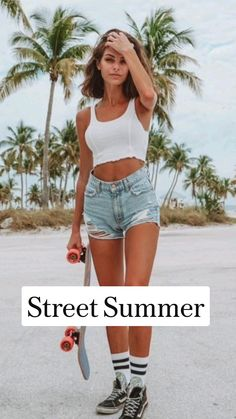 Summer Photography, Street Photography, Athletic Body, Short Shorts, Fashion Beauty, Denim Shorts, Essentials, Street Style, Fashion Outfits