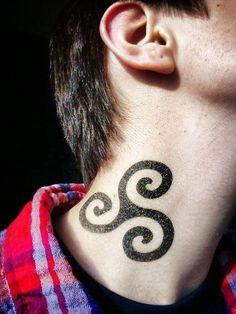 Tatuajes del triskelion: la sagrada trinidad celta