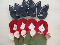 Red Riding Hood hand puppets & Wolf masks as party favors