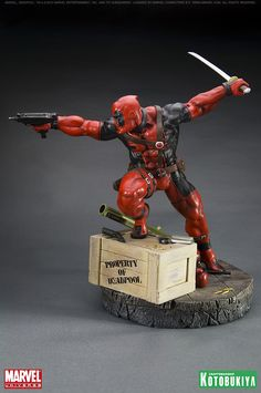 Deadpool statue - Marvel Comics - Wade Wilson - The Merc With The Mouth - Comic Book Collectibles 3d Figures, Custom Action Figures, Anime Figures, Comic Books Art, Comic Art, Geek Toys, Bd Comics, Marvel Comics, Fantasy Art