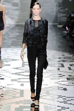 Spring 2010 Ready-to-Wear  Gucci - Runway