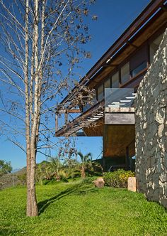 Casa Nova Lima: O Moderno e o Rústico em Harmonia / Nova Lima House: The Modern and the Rustic in Harmony. | Projeto News