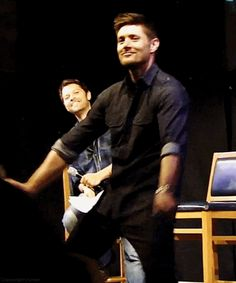 [gif]  Jensen dancing #JIB2013    I have a lot more life ruining stuff on my Supernatural Conventions board.   :)