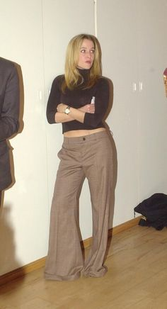 Gillian Anderson at the Bond Girls Are Forever Book Launch Dana Scully, Gillian Anderson, Illinois, Chica Punk, David And Gillian, 90s Fashion, Fashion Outfits, Chris Carter, Sassy Pants