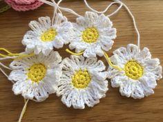 Midsommarkrans – PysselNetan Chabby Chic, Crochet Flowers, Rose, Baby Gifts, Knit Crochet, Diy And Crafts, Crochet Patterns, Crochet Ideas, Crochet Earrings