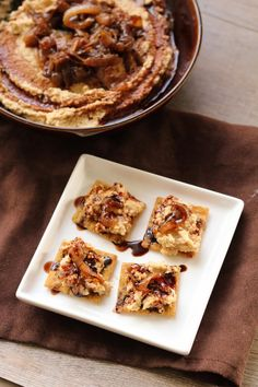 This is on my Must Try list--it sounds total yum!  Balsamic Caramelized Onion Hummus
