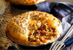 A meat pie with a curried twist is just the thing for an easy weekend meal Mince Recipes, Pastry Recipes, Beef Recipes, Cooking Recipes, Pastry Dishes, Savoury Recipes, Cooking Ideas, Food Ideas, Curry Pie Recipe