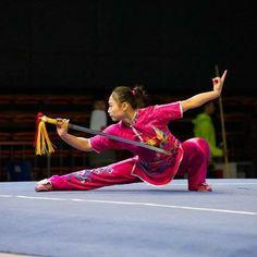 Wushu Jianshou Kung Fu Martial Arts, Chinese Martial Arts, Martial Arts Women, Art Of Fighting, Fighting Poses, Shaolin Kung Fu, Female Martial Artists, Body Poses, Art Poses