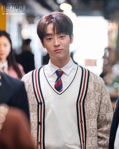 K Drama, Music Words, Handsome Korean Actors, Still Picture, Bts Korea, New Poster, Bad Girl Aesthetic, Drama Series, Pent House