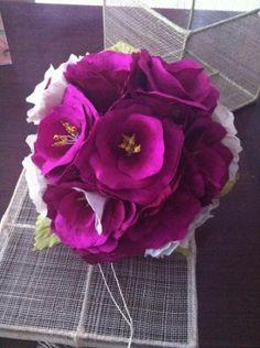 Ramo de 12 rosas en color rosas de tela seda salvaje
