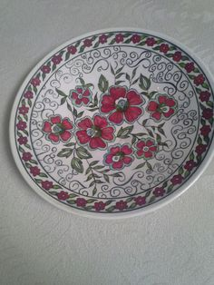Ilk çinim :) Turkish Art, Ceramic Painting, Islam, Decorative Plates, Blue And White, Decoration, Tableware, Design, Dishes