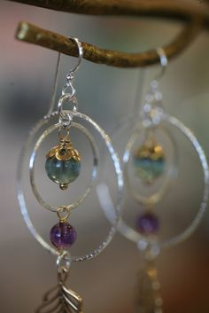 Super easy, but looks hard to make!!  How to Make Celestial Earrings Video at The Bead Gallery, Honolulu
