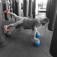 @i_eat_spinach  billy's class was intense today.  #titleboxingclubindy #boxindy #titlefam #titlestrong #medicineballplank #yogi #runner #titleboxing #titleboxingclub #fitfam #fitnessjourney #fitnessmotivation #fit #fitness