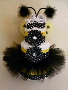 Best Ideas for baby shower themes for gils bee diaper cakes Fiesta Baby Shower, Baby Shower Fun, Baby Shower Gender Reveal, Baby Shower Parties, Baby Shower Themes, Baby Shower Decorations, Baby Shower Gifts, Baby Gifts, Shower Ideas