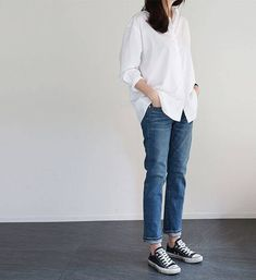 Super how to wear white converse outfits casual ideas Look Fashion, Trendy Fashion, Korean Fashion, Fashion Trends, Trendy Style, Denim Fashion, Fashion Women, Fashion Ideas, Cheap Fashion