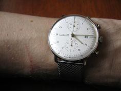 Max Bill automatic compared to hand wound model