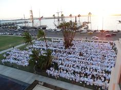 Dinner En Blanc at the Waterfront Park. A beautiful location for you next event. visit www.sdparks.org for more information. #waterfrontpark, #sandiegoeventspaces