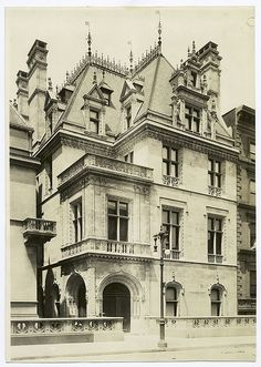 "666 Fifth Ave. | New York, NY. Mrs. Wm. K. Vanderbilt, Jr's Mansion (1907) designed by  attached to Wm K. Vanderbilt Sr.'s ""Petit Château.""  She lived here until her death. It was demolished (c.1924)."