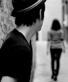 a girl leaving a boy images Love Couple Images, Cute Love Images, Boy Images, Couples Images, Cute Couple Pictures, Alone Boy Photography, Romantic Couples Photography, Photography Poses For Men, Alone Boy Wallpaper