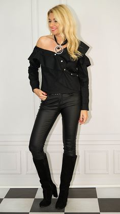 Confident Woman, Photo Sessions, Leather Pants, How To Wear, Outfits, Women, Fashion, Tunic, Leather Jogger Pants