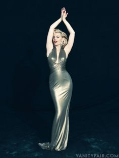 Elizabeth Banks ✾ as Marilyn Monroe Hollywood Vanity Fair Estilo Marilyn Monroe, Marilyn Monroe Stil, Marilyn Monroe Photos, Elizabeth Banks, Hollywood Vanity, Hollywood Glamour, Vanity Fair, Poses Modelo, Norman Jean Roy