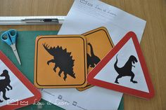 Dinosaur crossing sign!Dinosaurs Party for kids! Free download pdf for your BirthdayParty! Visit our website with all our ideas!!!