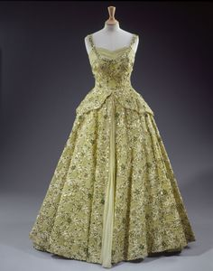 A Sneak Peek at Queen Elizabeth's Upcoming Fashion Exhibit
