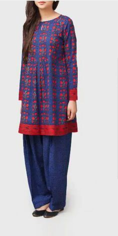 I like the red/blue colors and the blue pants and the red cuffs and hem but don't like the pattern. Simple Dresses, Casual Dresses, Fashion Dresses, Stylish Dresses, Simple Outfits, Pakistani Dresses Casual, Indian Dresses, Salwar Designs, Blouse Designs