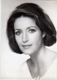 disparition de J-P Marielle - Page 2 B4fc5792a14f2624bf4acebcbaa8b9a0--fran%C3%A7oise-fabian-french-actress