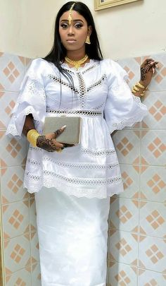 Latest African Fashion Dresses, African Dresses For Women, African Print Fashion, African Attire, African Women, Fashion Prints, African Print Dress Designs, Nigerian Outfits, African Lace