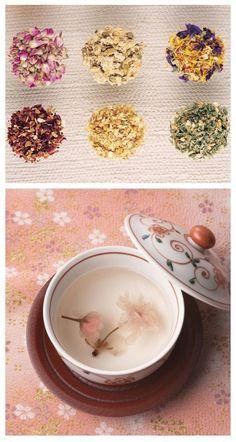 [Herbal tea to restore party] ------ 1. Regulation of the endocrine: Rose + medlar + Chrysanthemum morifolium + marigold + ebony; Promoting metabolism: jade butterfly + amaranth + jasmine flowers; improve allergy skin: Jasmine + verbena + mint;. eyesight relax: rose fruit + Chrysanthemum morifolium + dried lily + bay leaf; Stomach beauty: pink roses + verbena + cornflower + jasmine; relieve soothe the nerves: marigolds + stevia + verbena + lemon balm leaves + Orange + cinnamon.