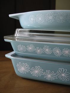 Pyrex Turquoise Daisy Pieces