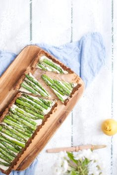 These are the Best Paleo Side Dishes including Vegetables, Fruits & Salads. They will all go so well with any of your favorite Paleo main dish recipes. Asparagus Tart, Asparagus Recipe, Paleo Side Dishes, Vegetable Side Dishes, Paleo Vegetables, How To Eat Paleo, Fruit Salad, Paleo Recipes, Avocado Toast
