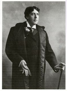 Oscar Wilde Oscar Wilde, Historical Fiction, Historical Photos, Writers And Poets, Dorian Gray, Playwright, Book Authors, Old Photos, Book Lovers