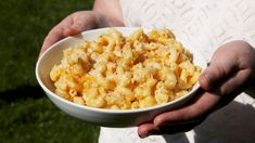 No beans from a can for you—make Campfire Mac & Cheese on your next camping trip. Side Dish Recipes, New Recipes, Favorite Recipes, Side Dishes, Yummy Recipes, Main Dishes, Dinners For Kids, Kids Meals, Camping Menu